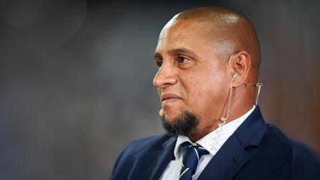 Legenda Real Madrid dan Timnas Brasil, Roberto Carlos, melontarkan pendapatnya tentang Neymar yang dikait-kaitkan dengan kepulangan ke Barcelona. - INDOSPORT