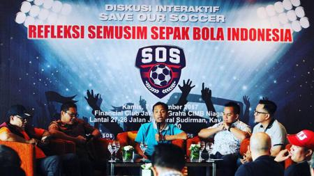 Diksusi interaktif Save Our Soccer. - INDOSPORT