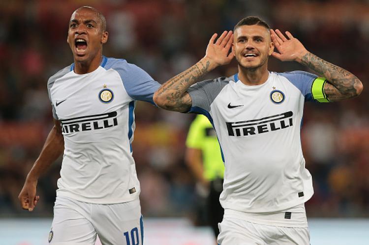 Joao Mario bersama Mauro Icardi sedang selebrasi merayakan gol. Copyright: INDOSPORT