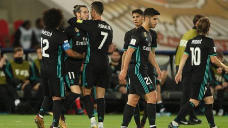 Skuat Real Madrid merayakan gol yang dicetak Gareth Bale. - INDOSPORT