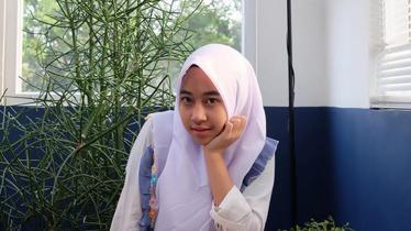 Adiba Khanza putri sulung almarhum Ust. Jefri Al Buchori. - INDOSPORT