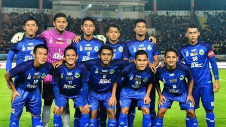 Tim Sepak Bola Jawa Barat untuk PON 2020 akan menyiapkan 18 pemain. - INDOSPORT