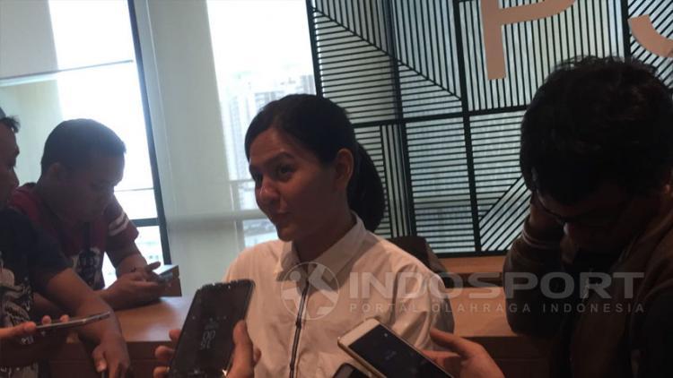 Sekjen PSSI, Ratu Tisha Destria memberikan keterangan terkait kepindahan Evan Dimas dan Ilham Udin ke Liga Malaysia. Copyright: Muhammad Adi Yaksa/Indosport.com