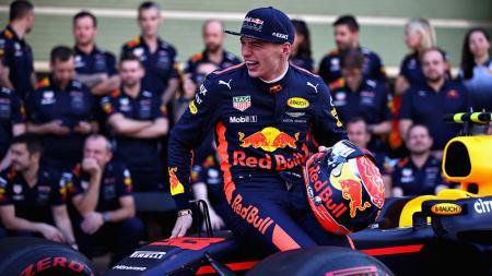 Pembalap F1, Max Verstappen disebut Jacques Villeneuve sebagai calon bintang yang akan membawa Red Bull berjaya. - INDOSPORT