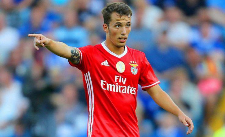 Bintang Benfica, Alex Grimaldo Copyright: tribuna.com