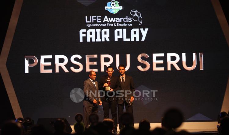 Perseru Serui, penghargaan Fair Play Liga 1 2017 Copyright: Herry Ibrahim/INDOSPORT