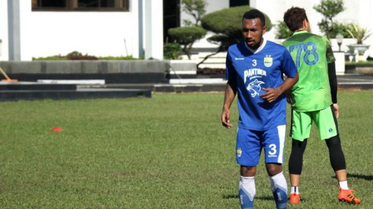 Patrich Wanggai pemain baru Persib Bandung Copyright: Istimewa