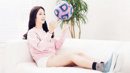 Lee Min-a, Pesepakbola cantik Korea Selatan - INDOSPORT
