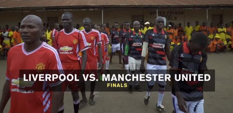 Kompetisi sepakbola yang berlangsung di penjara Uganda. Copyright: vice.com