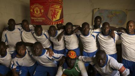 Tim sepakbola yang berasal dari penjara di Uganda. - INDOSPORT