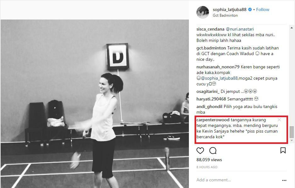 Komentar Warganet Sophia Latjuba Berguru ke Kevin Sanjaya. Copyright: Instagram