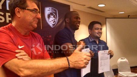 Pemain asing baru PSM Makassar,  Bruce Djite. - INDOSPORT
