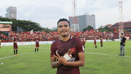Ferdinand Sinaga resmi gabung Kelantan FA. - INDOSPORT