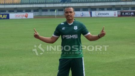 Pelatih Kiper PSMS Medan, Sahari Gultom - INDOSPORT