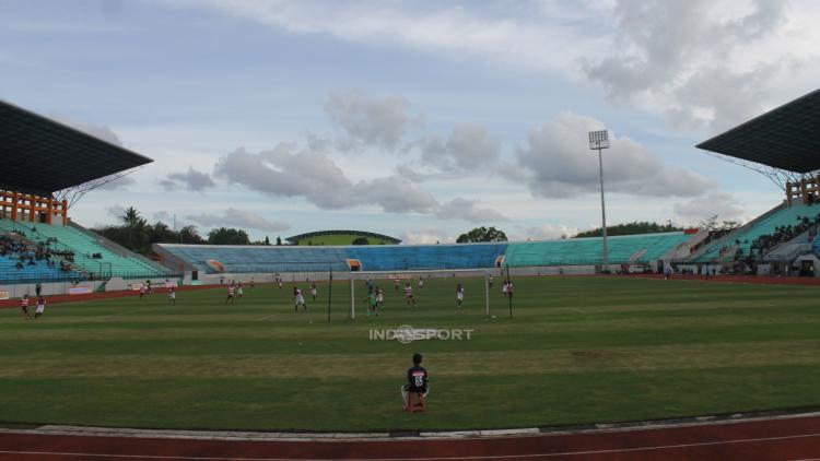 Stadion Moch Soebroto Copyright: INDOSPORT/Arief Setiadi