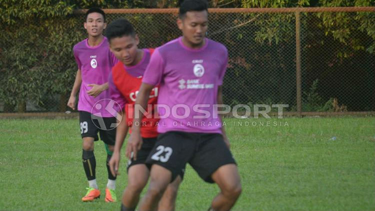 Gilang Ginarsa latihan bersama Sriwijaya FC Copyright: Muhammad Effendi/INDOSPORT
