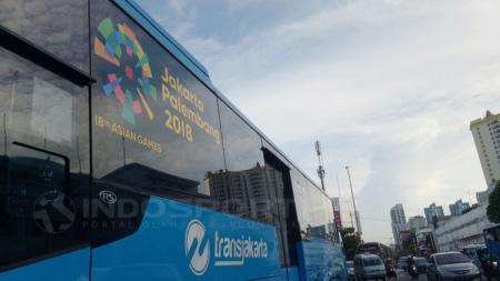 Logo Asian Games 2018 di Transjakarta. - INDOSPORT