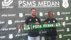 Indosport - Dua pemain asing PSMS Reinaldo Lobo (Brasil) dan Sadney Urikhob (Namibia).