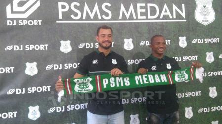 Dua pemain asing PSMS Reinaldo Lobo (Brasil) dan Sadney Urikhob (Namibia). - INDOSPORT
