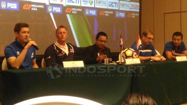 Konferensi pers Timnas Indonesia melawan Islandia. Copyright: Zainal Hasan/INDOSPORT