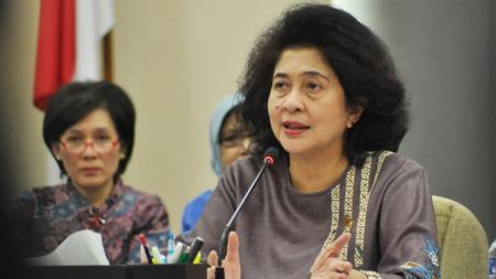 Nila Moeloek Menteri kesehatan (Menkes). - INDOSPORT