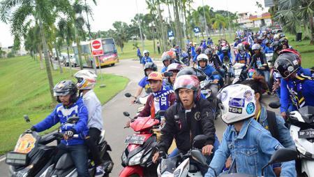 Rombongan Persib tiba di Batam - INDOSPORT