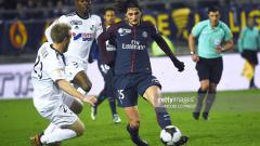 Indosport - A. Rabiot pemain PSG saat berhadapan dengan Amiens SC