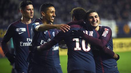 Para pemain PSG saat merayakan gol ke gawang Amiens SC - INDOSPORT
