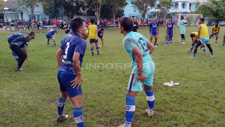 Sesi latihan Persiba Balikpapan Copyright: Teddy Rumengan/Indosport.com