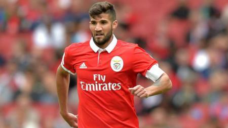 bek Benfica, Lisandro Lopez segera gabung Inter Milan - INDOSPORT
