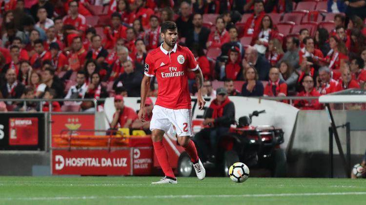 Bek Benfica, Lisandro Lopez. Copyright: Benfica