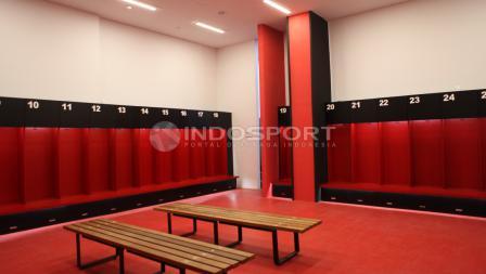 Kondisi ruang ganti pemain setelah direnovasi. Herry Ibrahim