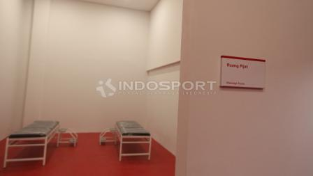 Potret ruang pijat dalam stadion Gelora Bung Karno. Herry Ibrahim