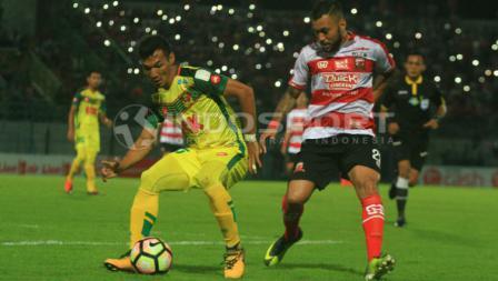 Marcel Sacramento terus ditempel ketat oleh bek Kedah, Mohamad Hidhir Idris