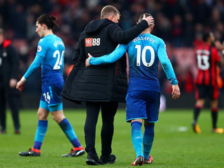 Jack Wilshere tertudung lesu setelah Arsenal mengalami kekalahan atas Bournemouth Copyright: INDOSPORT