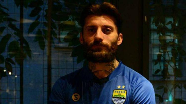 Bojan Malisic pemain bertahan Persib Bandung Copyright: Persib.co.id