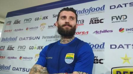 Bojan Malisic pemain bertahan Persib Bandung. - INDOSPORT