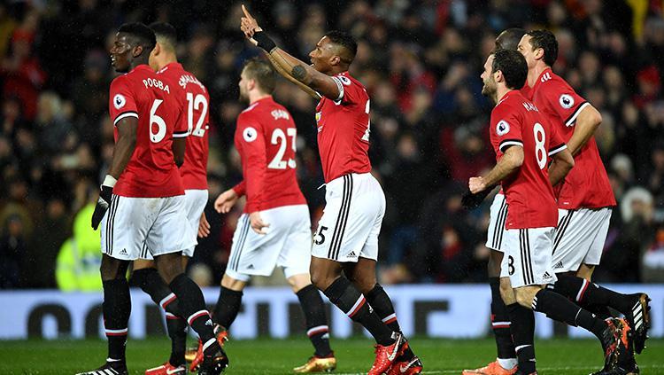 Antonio Valencia selebrasi mencetak gol ke gawang Stoke City Copyright: INDOSPORT