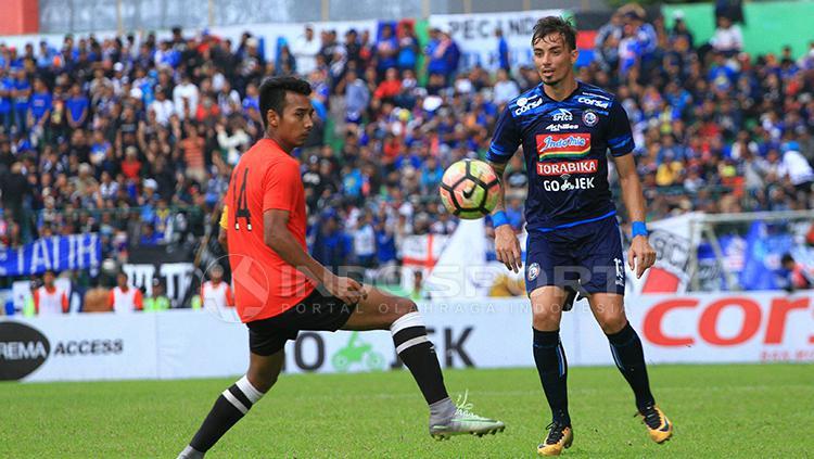 Striker Arema FC, Rodrigo Ost. Copyright: Ian Setiawan/INDOSPORT