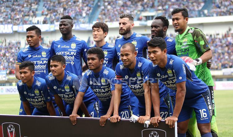 Skuad Persib Bandung pada laga pembukan Piala Presiden 2018. Herry Ibrahim Copyright: Herry Ibrahim/INDOSPORT