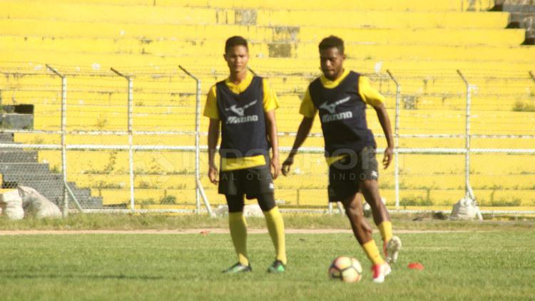 Elthon Maran, pemain anyar Semen Padang Copyright: Taufik Hidayat/INDOSPORT