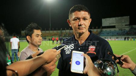 Gomes De Oliviera ditunjuk PSMS Medan menjadi pelatih kepala menggantikan Philep Hansen. - INDOSPORT