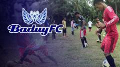 Indosport - Pemain Baduy FC saat jalani latihan.