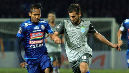 situasi laga Arema FC vs Persela Lamongan. - INDOSPORT