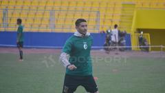 Indosport - Esteban Gabriel Vizcarra saat jalani latihan bersama Sriwijaya FC.