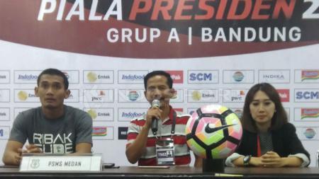 Djajang Nurdjaman dalam konferensi pers usai kalahkan Persib Bandung - INDOSPORT