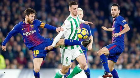 Bukan Lionel Messi, Sergio Busquets layak menjadi pemain terhebat sepanjang masa Barcelona. - INDOSPORT