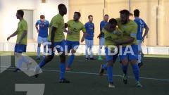 Indosport - Dallen Ramadhan saat mencetak gol debut di divisi 5 Liga Spanyol