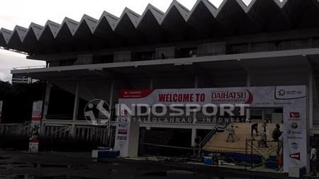 Suasana luar Istora Senayan jelang Indonesia Masters 2018 - INDOSPORT