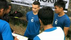 Indosport - Lorenzo Pace tampak di sesi latihan Sriwijaya FC